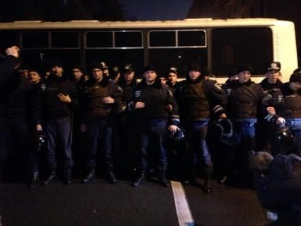 Четверо активістів у Рівному зупинили виїзд міліції на розгін київського майдану