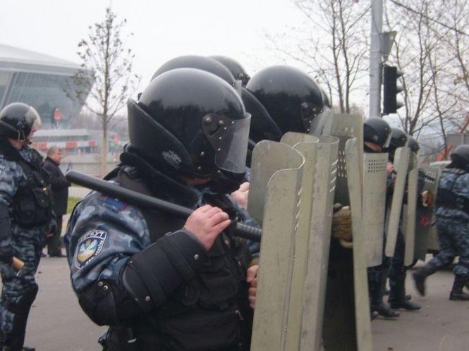 В Тернополі блокують автобуси із силовиками