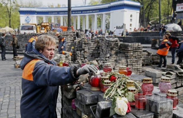 """Барикади в Києві """"зникають"""" на очах (ФОТО)"""