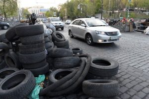 """Барикади в Києві """"зникають"""" на очах"""