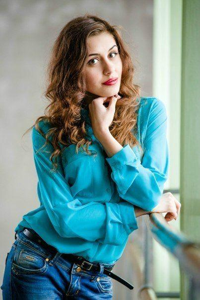 """Олена Павлюк - учасниця конкурсу краси """"Міс університету - 2014"""""""