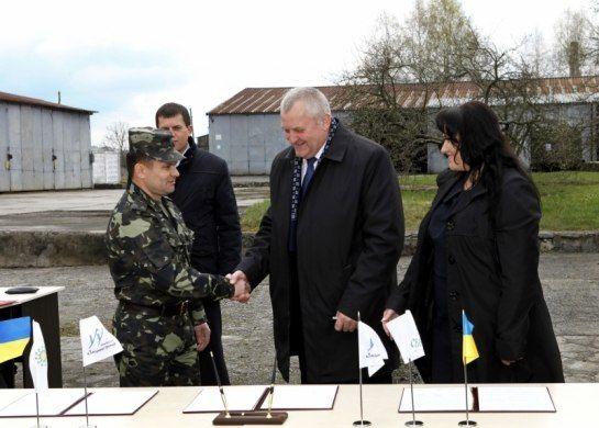 Аграрії та благодійники підтримали українську армію