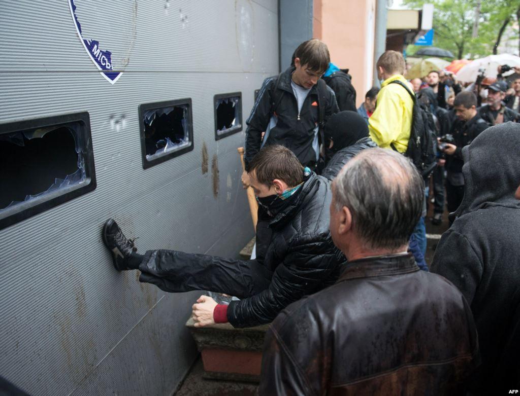 Одеських заворушників звільнили за рішенням міліції – прокуратура