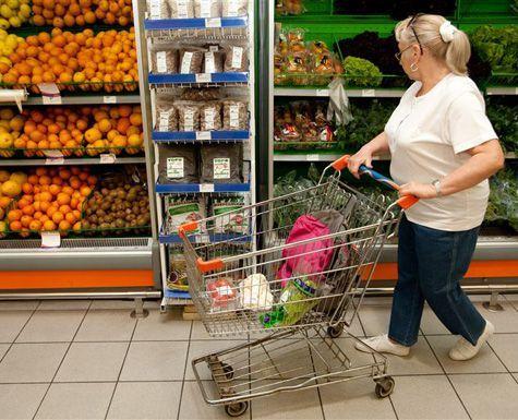 Підвищення цін, загроза воєнних дій – чи спорожніють полиці українських магазинів?