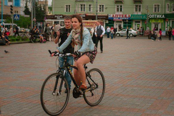 """""""Найвишуканіша леді на велосипеді"""""""