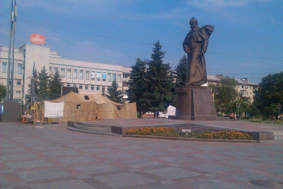 Рівняни вимагають згорнути Майдан