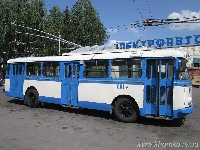 Цей вид транспорту - тролейбуси - стає все популярнішим серед жителів міста після подорожчання проїзду у маршрутках