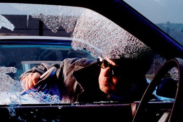 кражи из автомобилей, крадіжки з автомобіля