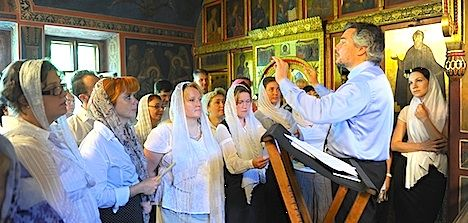 В Тернопільській церкві св. ап. Петра проходять літургії з живою музикою. Служби Божі проходять під супровід музичних інструментів.
