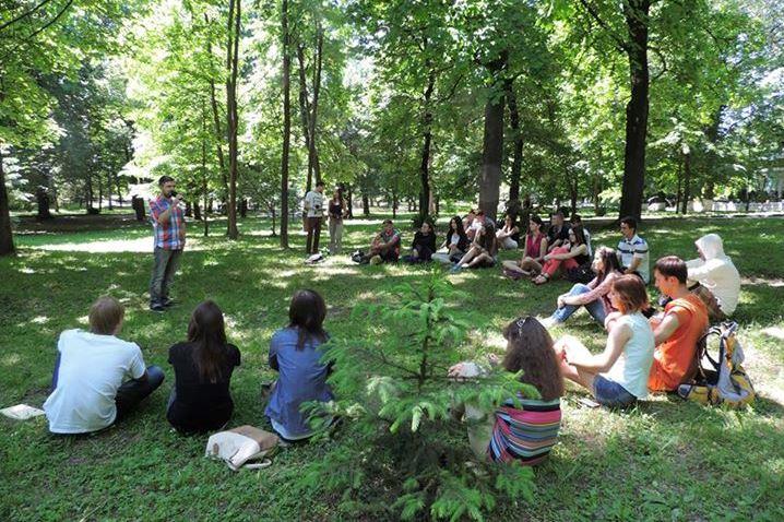 ГО Молодь-ДІЄ запрошує на другу лекцію Вуличного університету 27 червня 2015 року в Рівному. Тема - мирні зібрання та студентські рухи