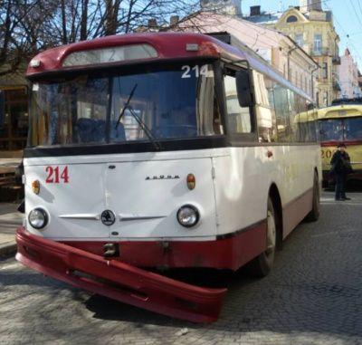 В Рівному утворився тролейбусний затор – очевидці