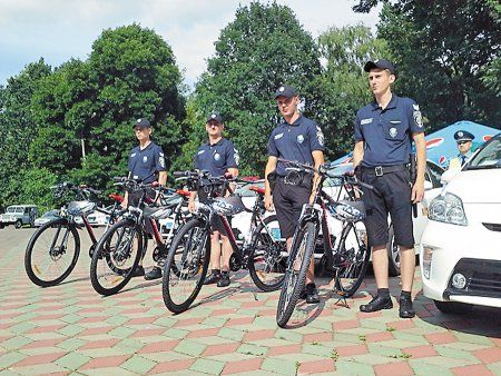 Поліція Закарпаття пересяде на велосипеди