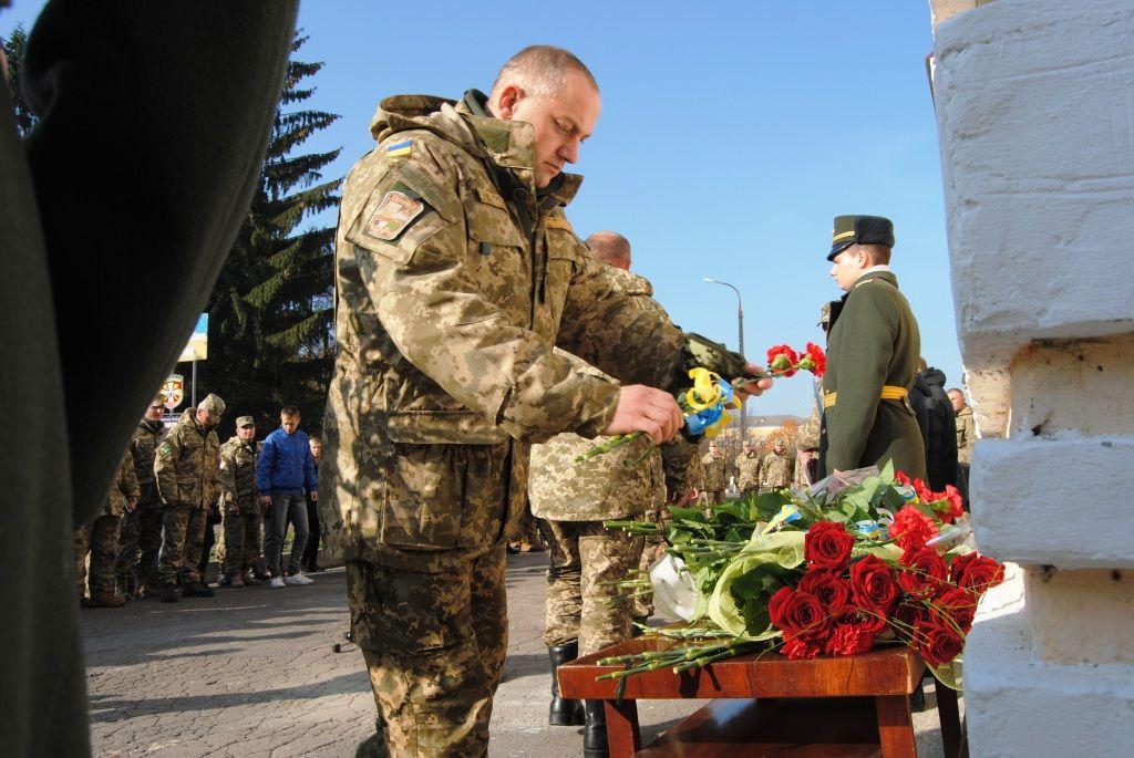 У Рівному відкрили пам'ятну дошку загиблому військовому