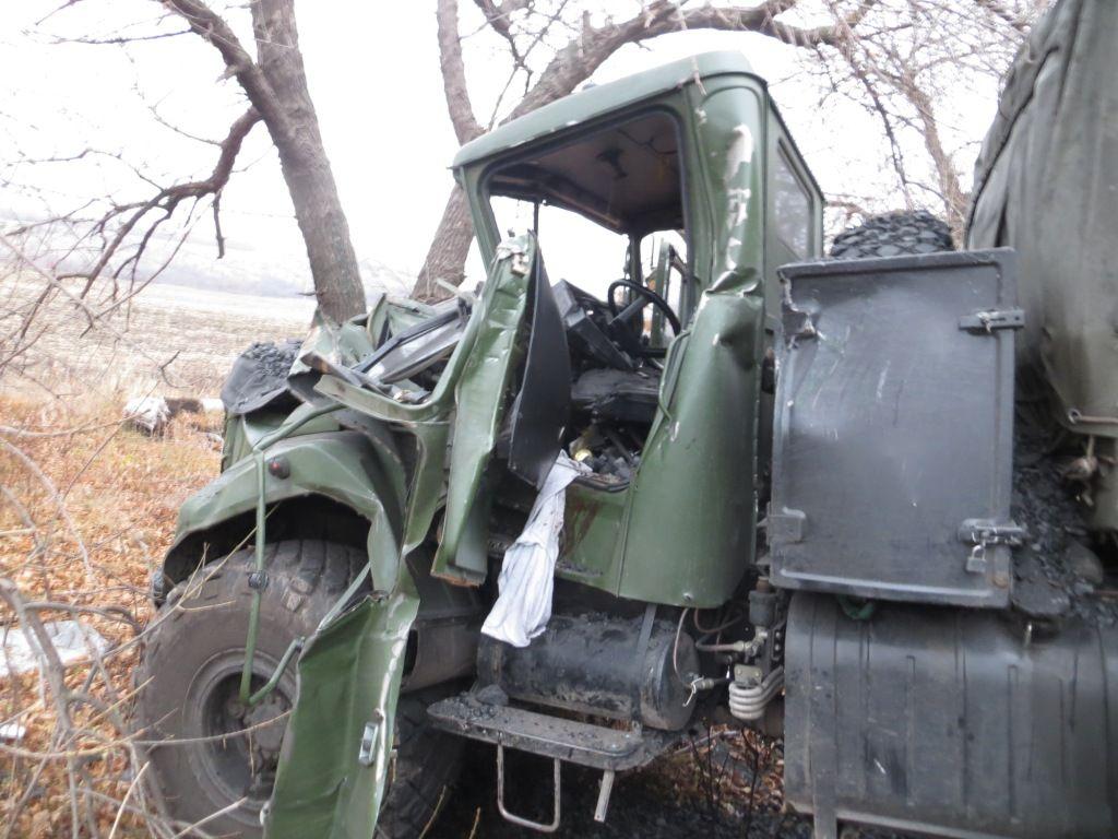 Рівненські військові потрапили у аварію на Сході