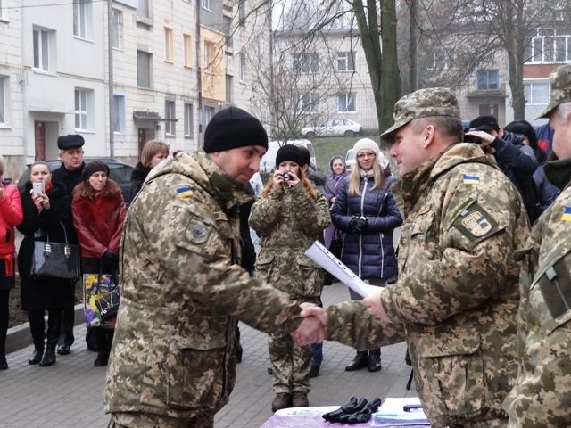 військовослужбовці отримали нові квартири