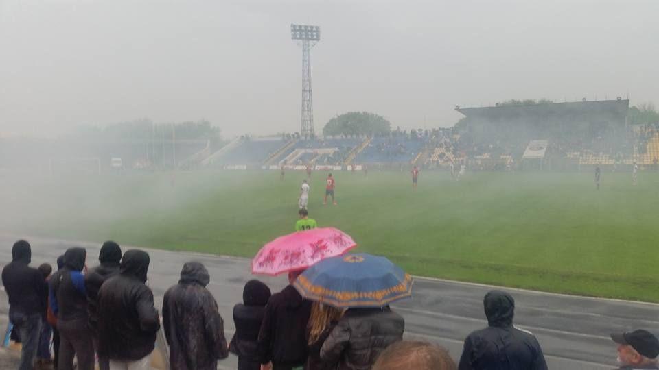 Через град у Рівному ледь не зірвався футбольний матч 2 ліги