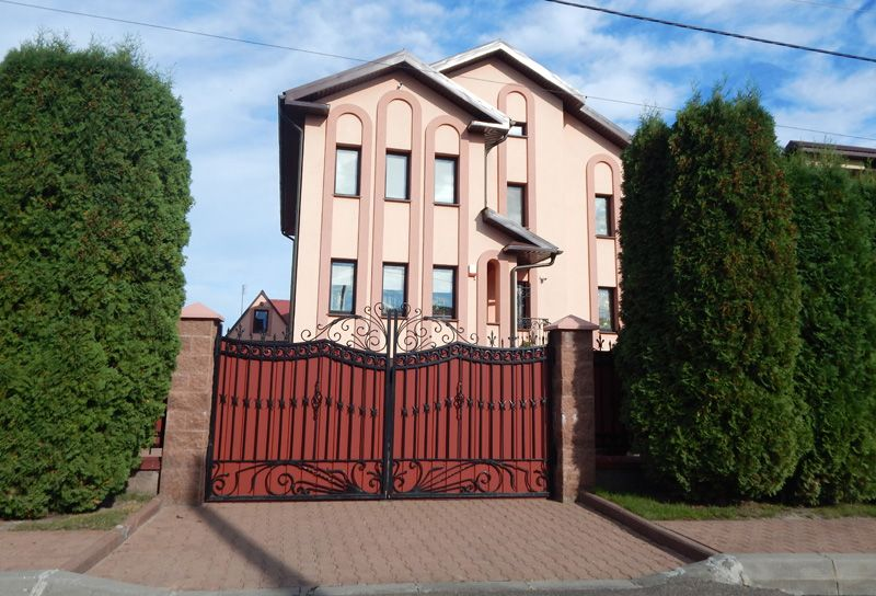Березова, 4 (2), Декларації Миколи Романюка