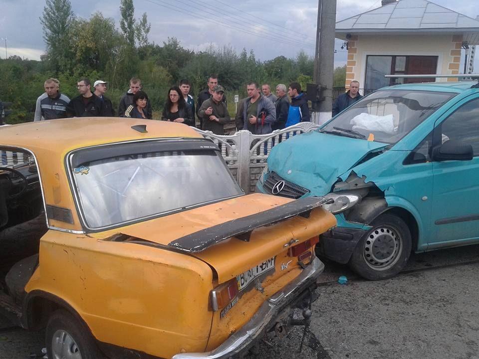 Відразу три автомобіля потрапили у ДТП на Львівщині (Фото)