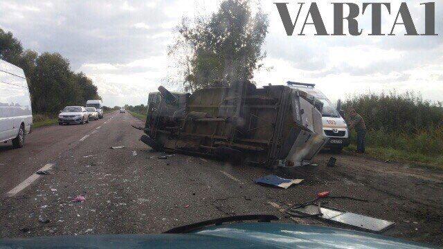 На Львовщине в ДТП попала маршрутка: есть погибшие (фото)