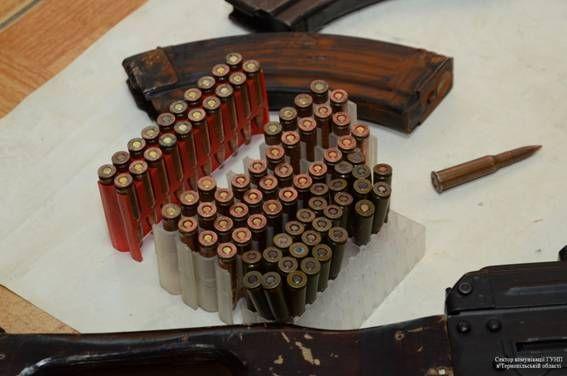 Правоохоронці затримали продавців зброї