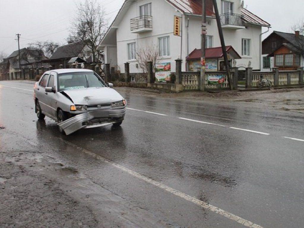 На Львівщині шукають свідків ДТП (Фото)