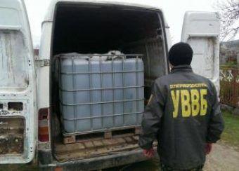 Прикордонники вилучили 10 тонн спирту (Фото)