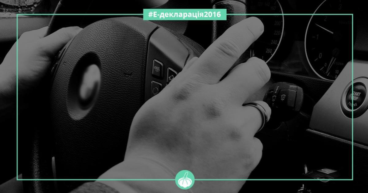 Безхатьки та автолюбителі Франківська: депутат Грималюк шукає волонтерів на город