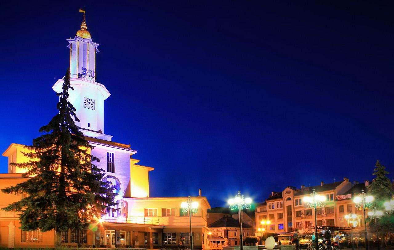 Освітлення Івано-Франківської ратуші